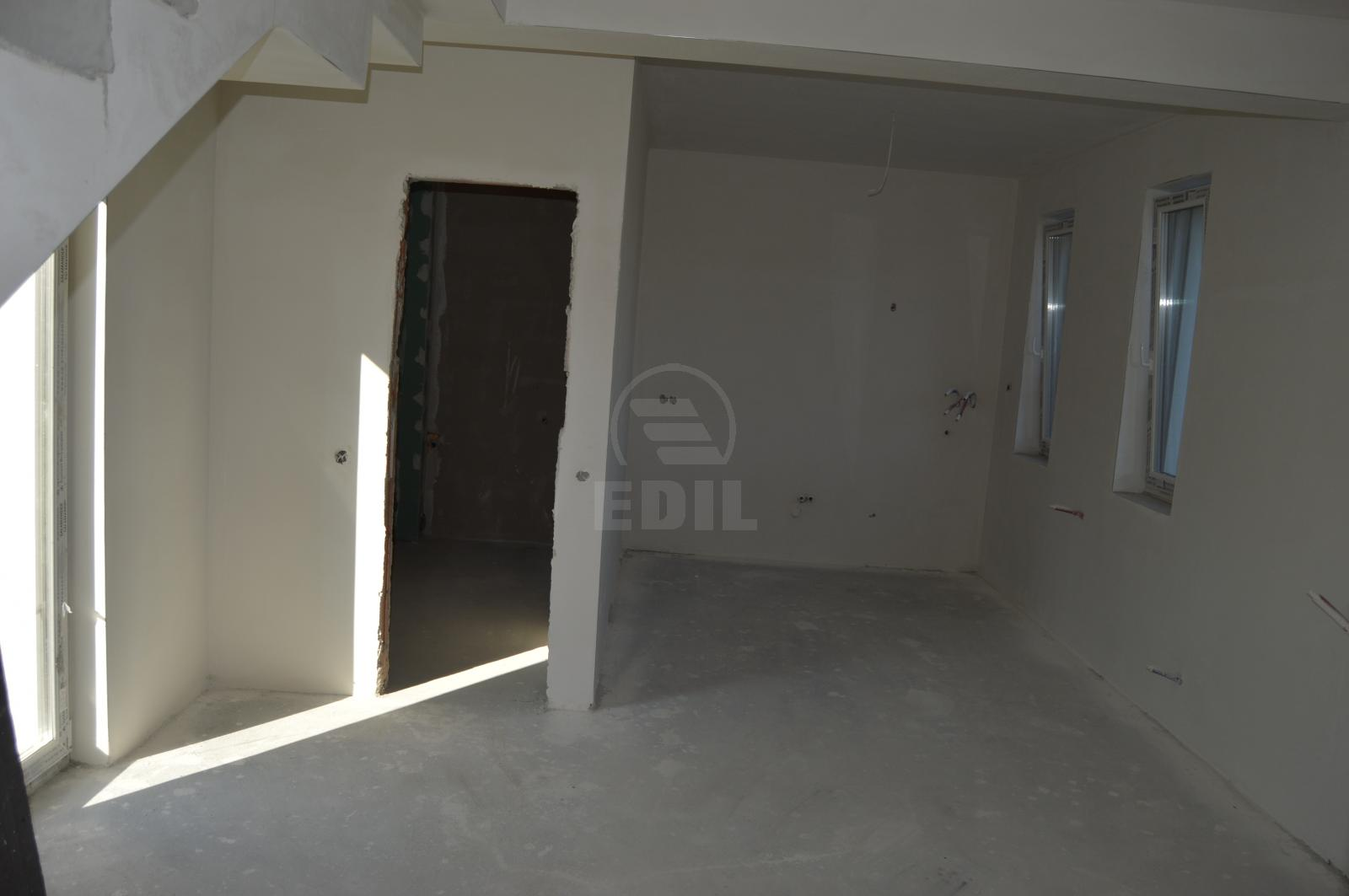 House for sale 4 rooms, CACJ279309-3