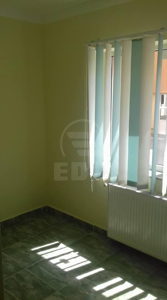 Commercial space for rent 4 rooms, SCCJ232329FLO-1
