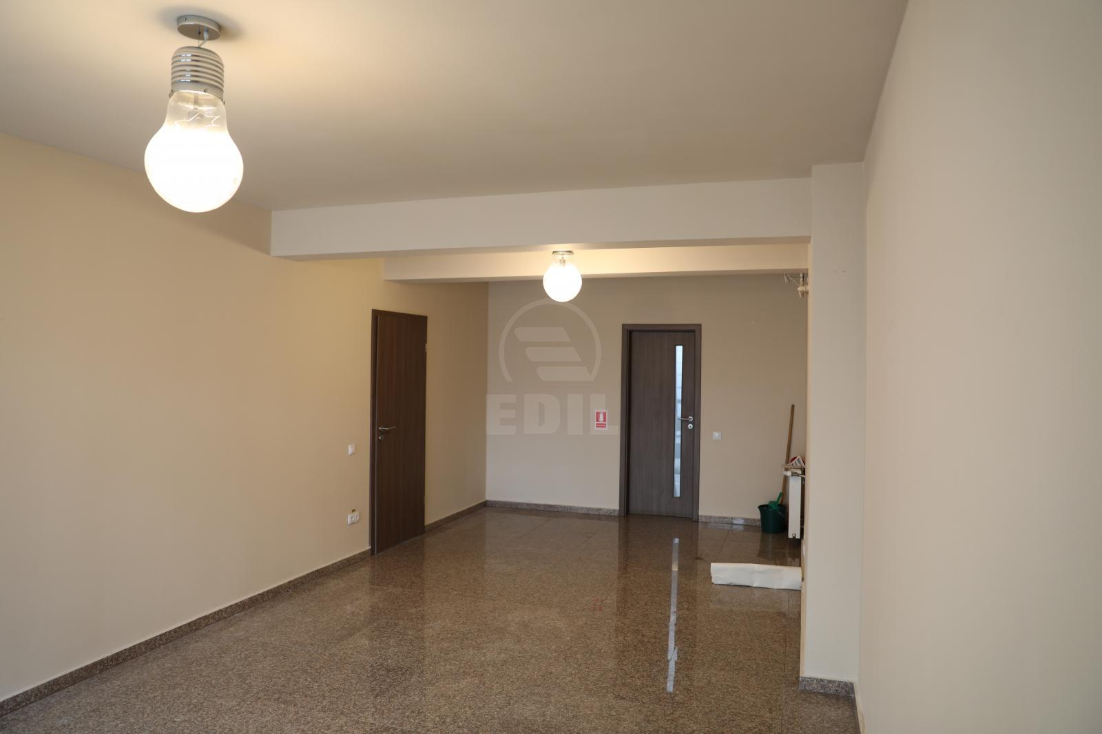 Commercial space for sale 3 rooms, SCCJ297529-5
