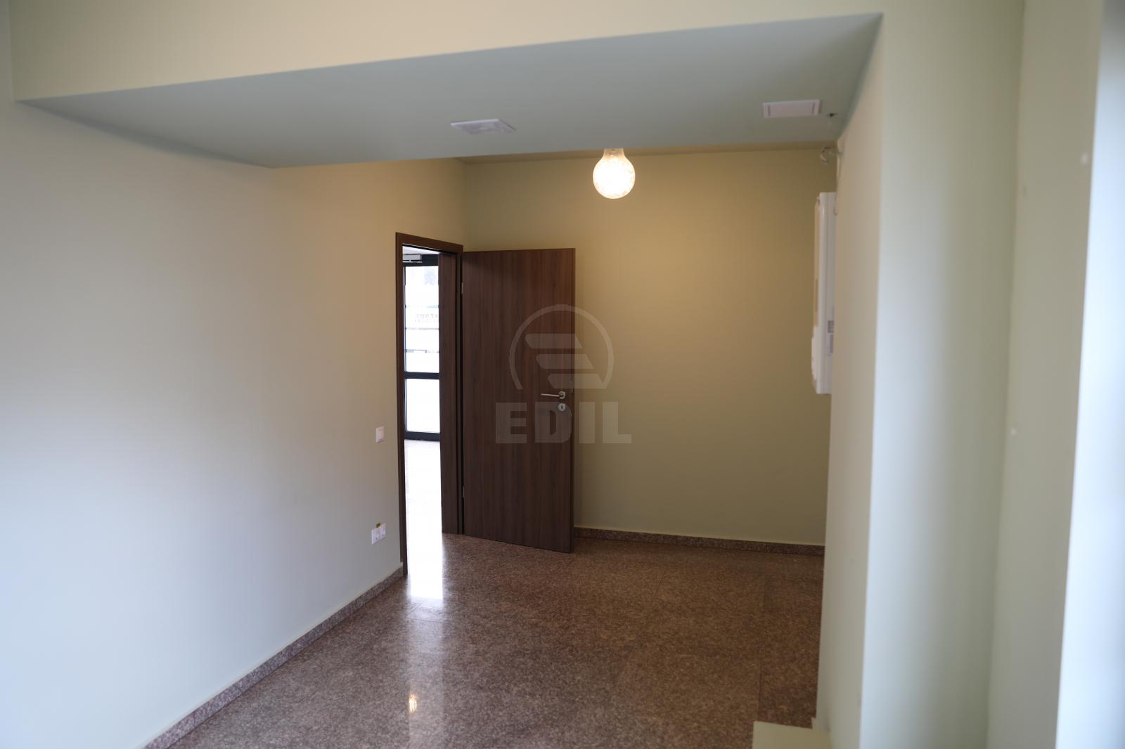 Commercial space for sale 3 rooms, SCCJ297529-14