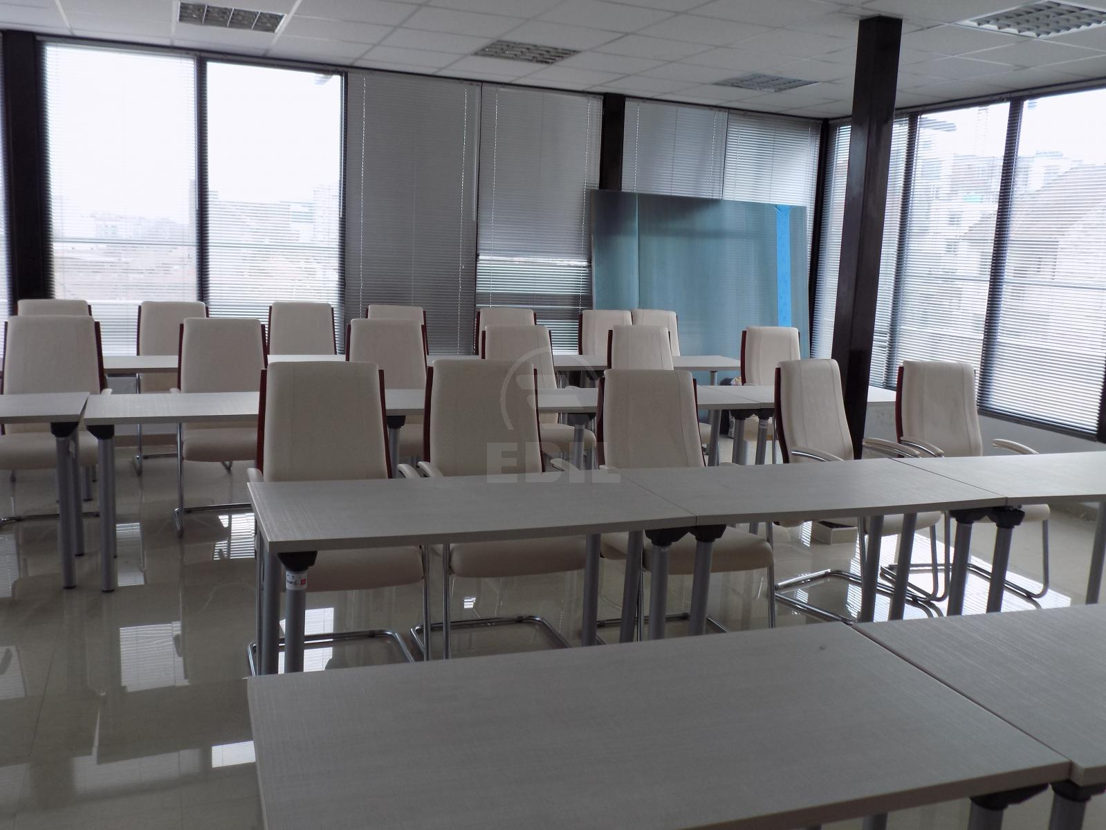Commercial space for rent 11 rooms, SCCJ297293-8