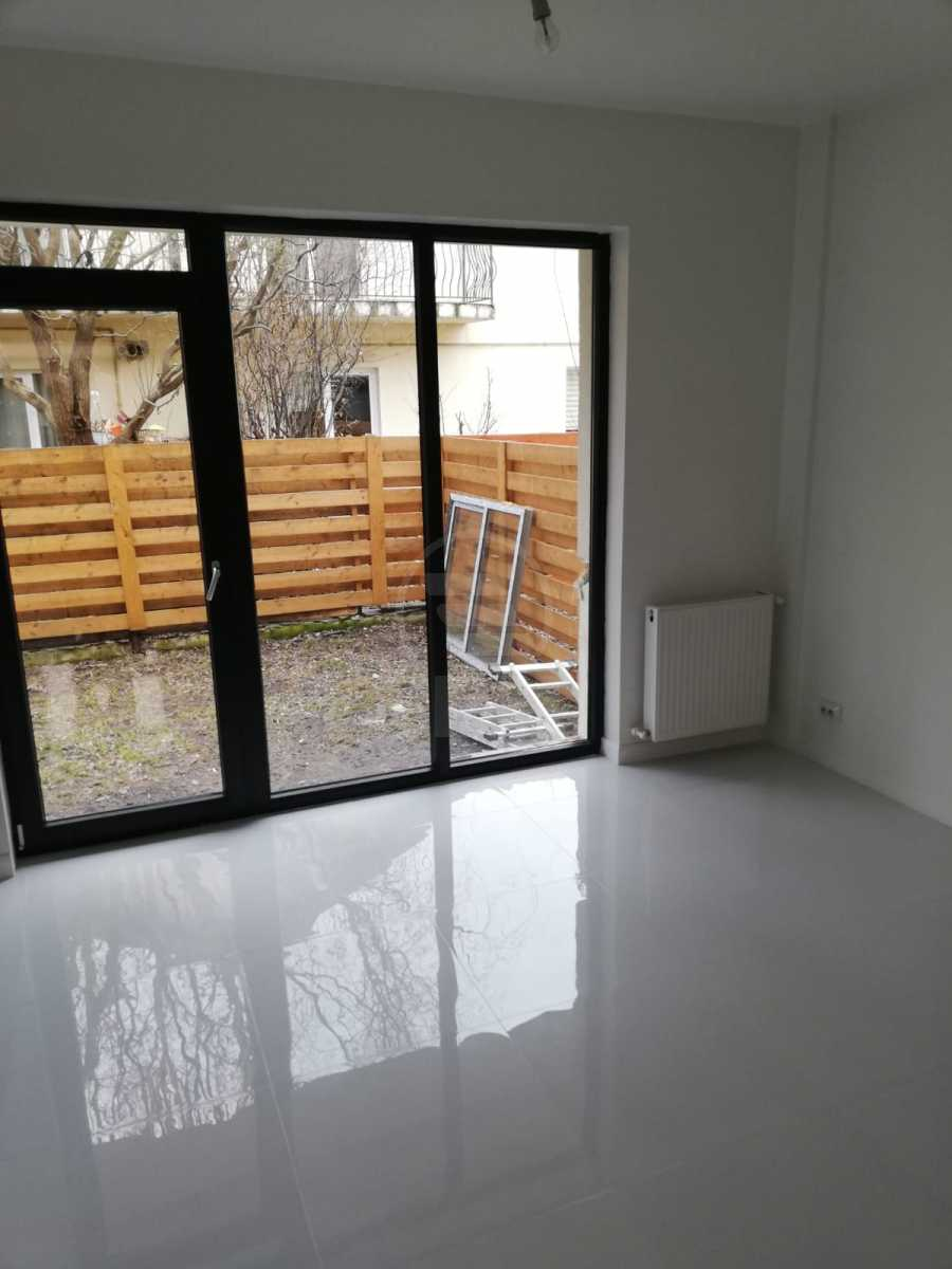 House for sale 4 rooms, CACJ233508FLO-13