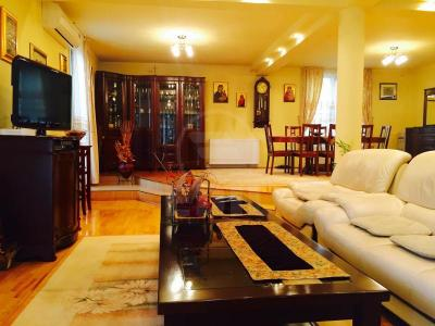 House for sale 6 rooms, CACJ221075