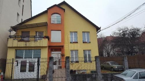House for sale 8 rooms, CACJ273129