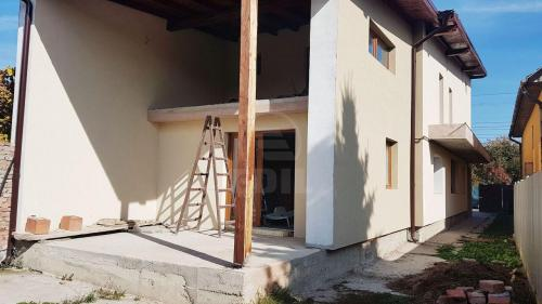 House for sale 5 rooms, CACJ281649